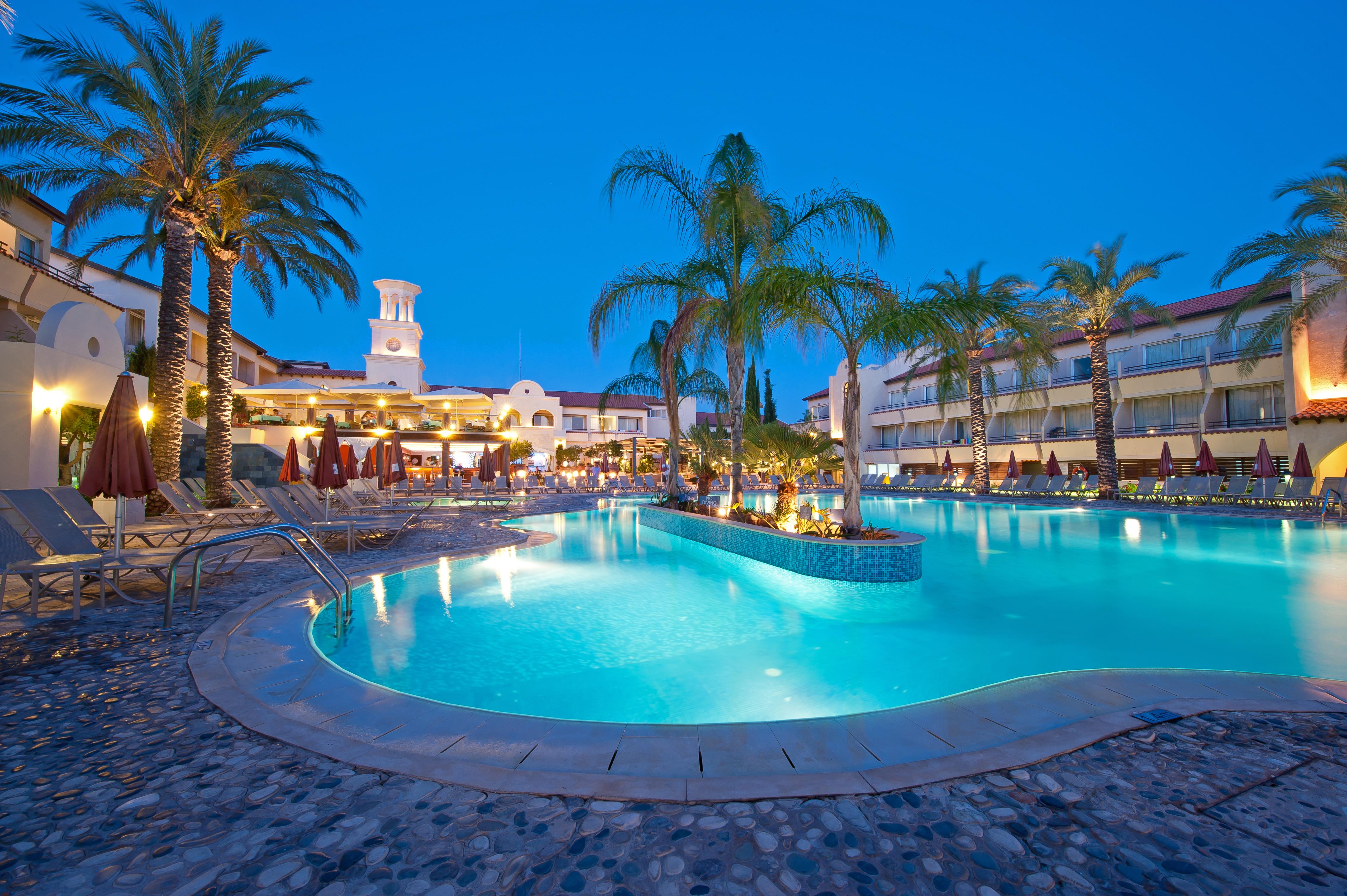 CYPR - LATO 2018: Napa Plaza Hotel****, 8 dni (07-14.05.2018 r.), śniadania: 1979,00 PLN/os. dorosła