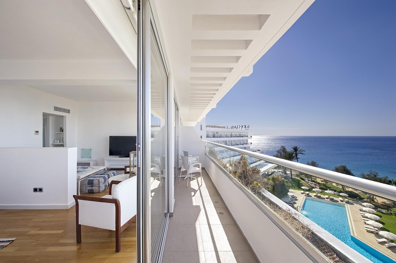 LATO 2018: Grecian Sands Hotel****, 7 dni (07-14.09.2018 r.), śniadania: 3549,00 PLN/osoba