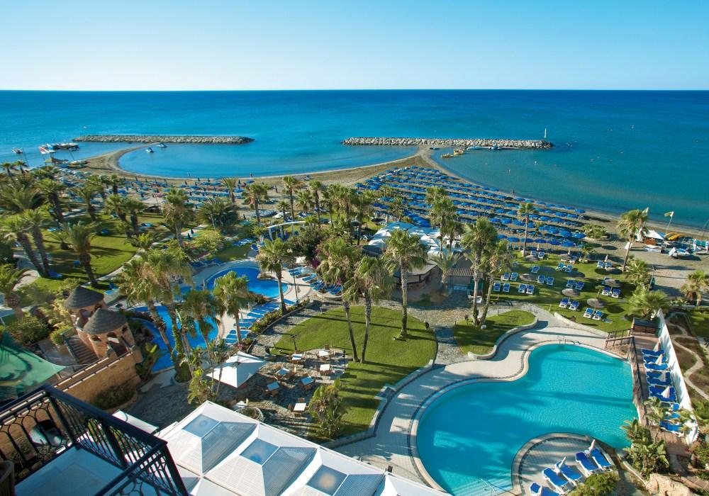 LATO 2018: Lordos Beach Hotel****, 7 dni (04-11.06.2018 r.), śniadania: 2559,00 PLN/osoba