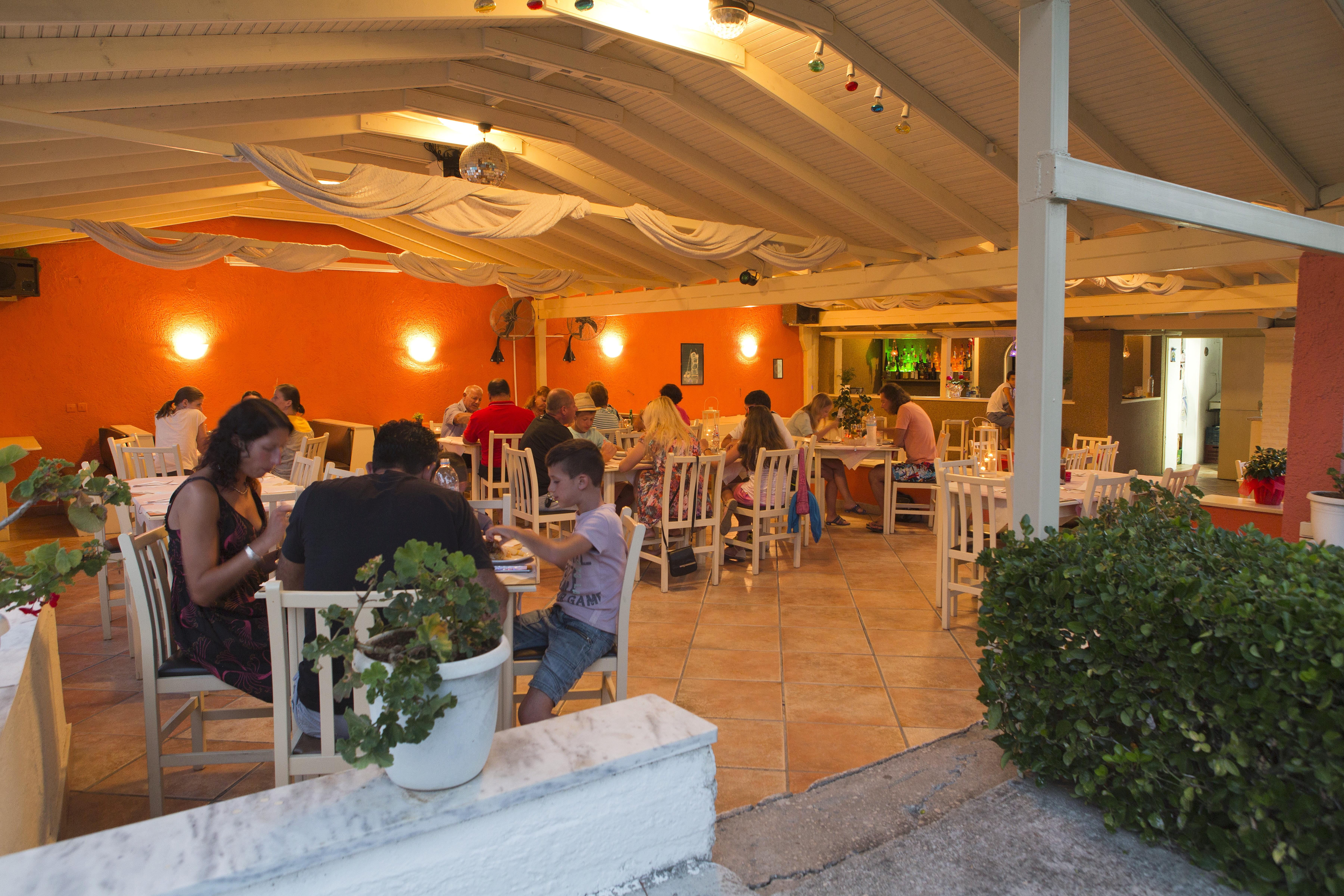 GRECJA - LATO 2018: Anita Hotel***, 8 dni (01-08.06.2018 r.), dwa posiłki: 1599,00 PLN/os. dorosła