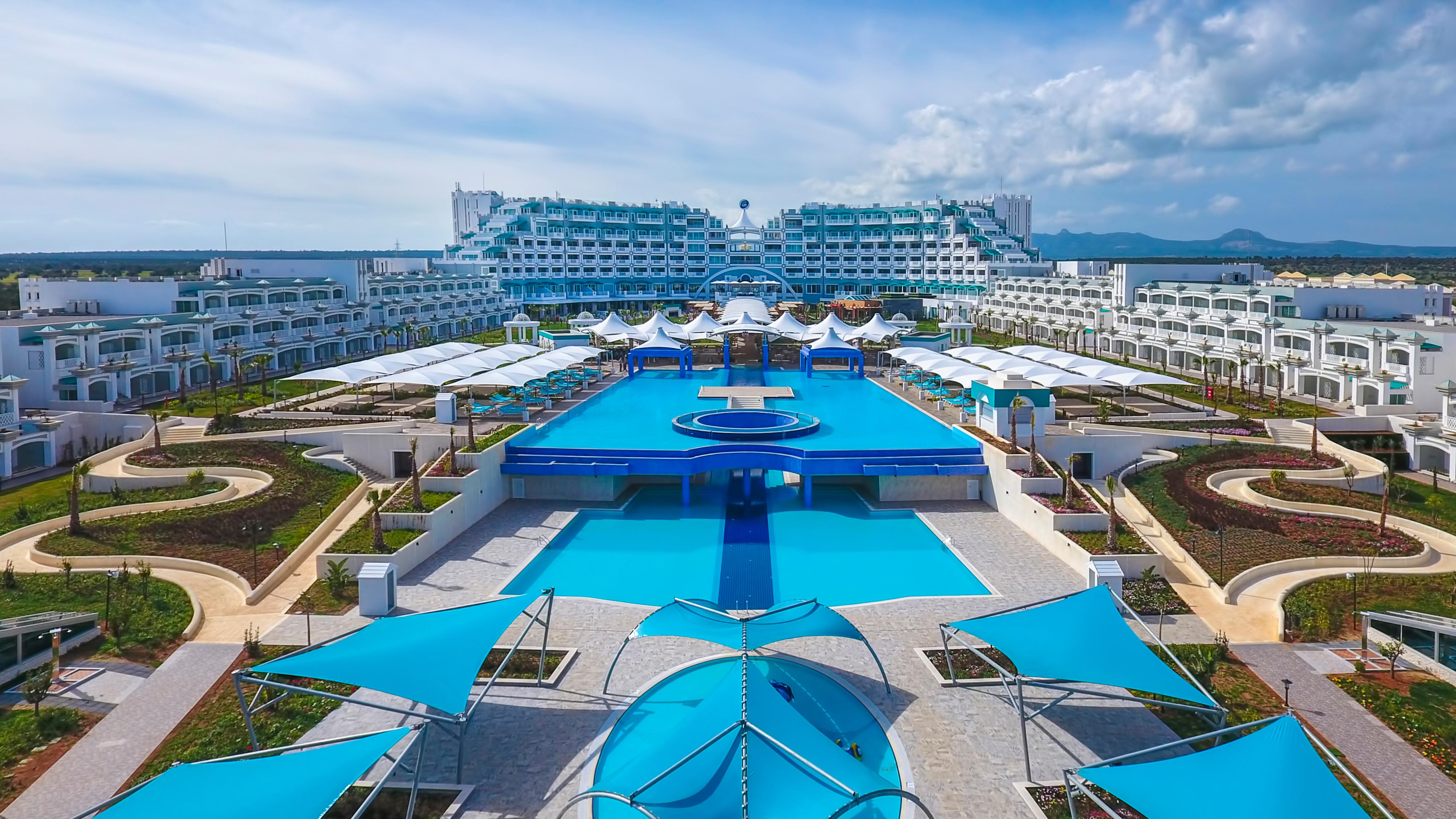 CYPR - ZIMA 2020: Limak Bafra Deluxe Hotel & Resort*****, 8 dni (10-17.02.2020 r.), ultra all inclusive: 2049,00 PLN/os. dorosła