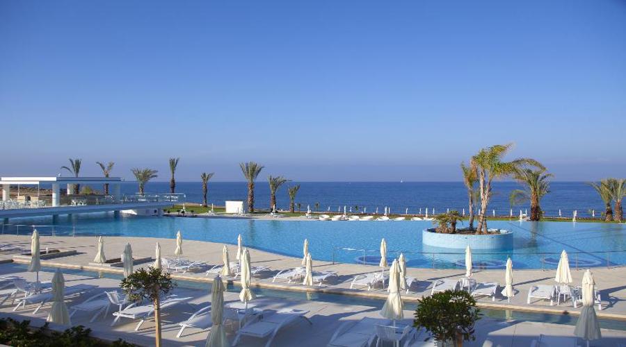 CYPR - SYLWESTER 2019/2020: King Evelthon Beach Hotel & Resort*****, 8 dni (29.12.2019 r. - 05.01.2020 r.), all inclusive: 2899,00 PLN/os. dorosła
