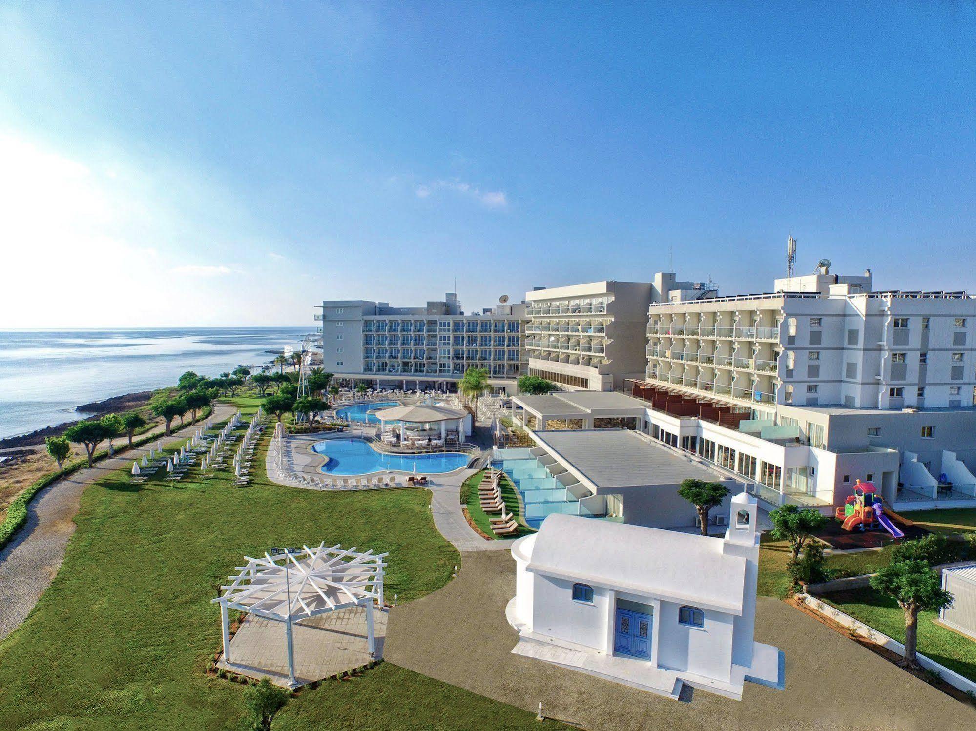 CYPR - LATO 2020: Pernera Beach Hotel***, 8 dni (26.06-03.07.2020 r.), all inclusive: 3398,00 PLN/os. dorosła
